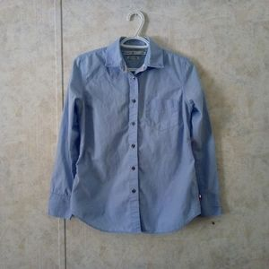 Tommy Hilfiger blue button down shirt